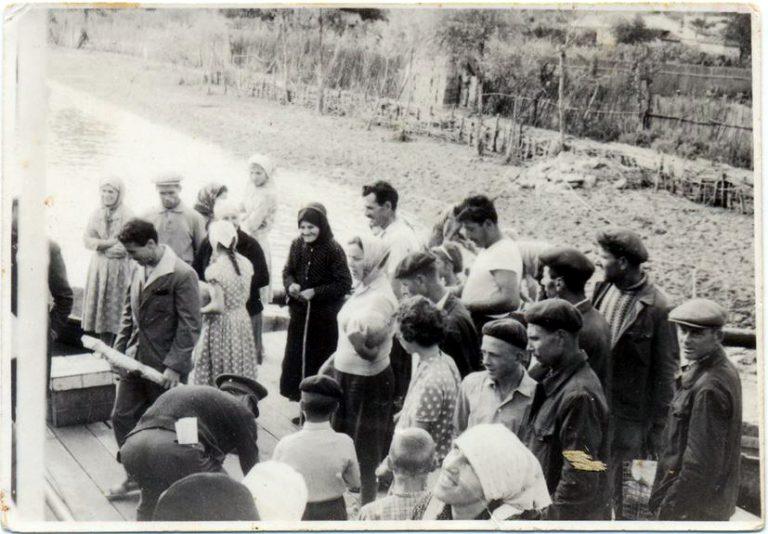 Pr. Gheorghe Calciu (tânăr) în Deltă