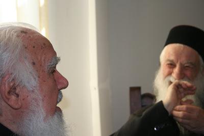 Pr. Gheorghe Calciu împreună cu ÎPS Bartolomeu Anania în palatul mitropolitan de la Cluj (2006)