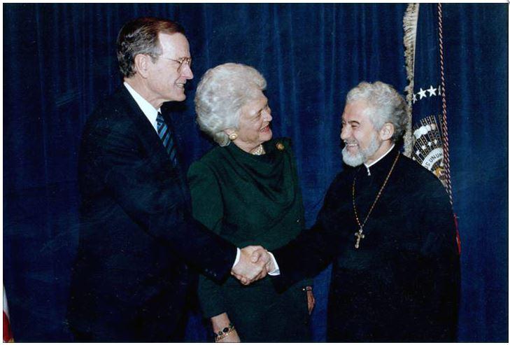 Parintele-Calciu cu George Bush și Barbara Bush